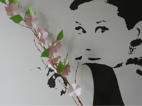 Kirschblütenzweig aus Papier