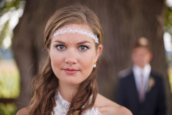 Braut mit selbstgemachtem Stirnband