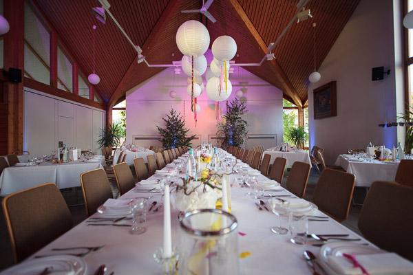 Hochzeit mit DIY-Deko: Ballons mit Quasten