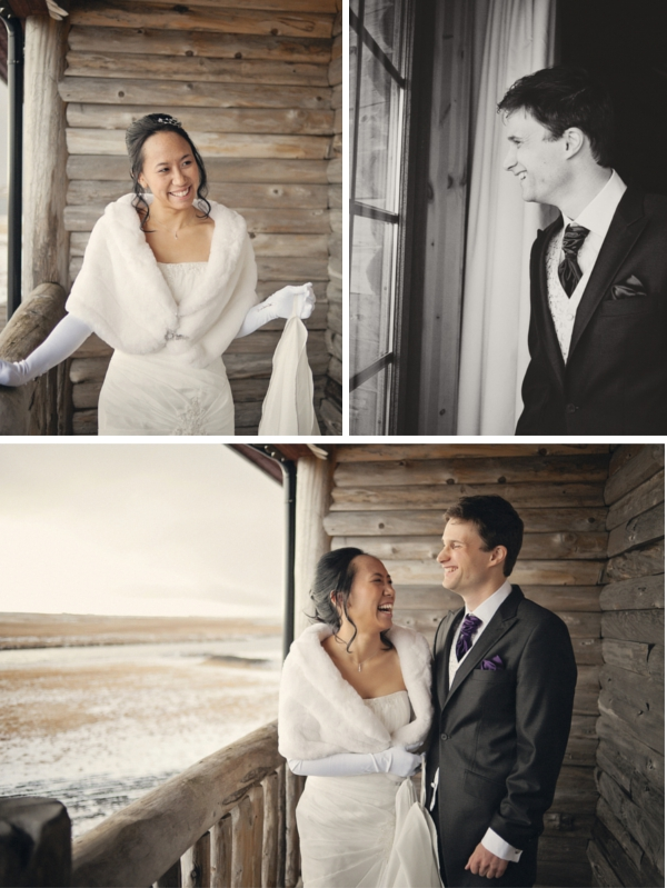 First Look von Braut und Bräutigam auf dem Balkon