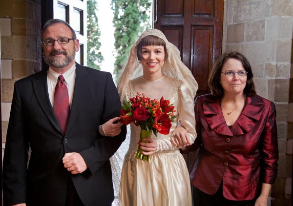 Braut, Einzug in die Kirche, Brauteltern, Hochzeit, Toskana, Winterhochzeit, Trauung
