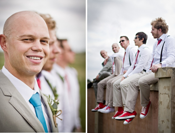 Bräutigam und Trauzeugen einer DIY Hochzeit in Südafrika  by iz-photography