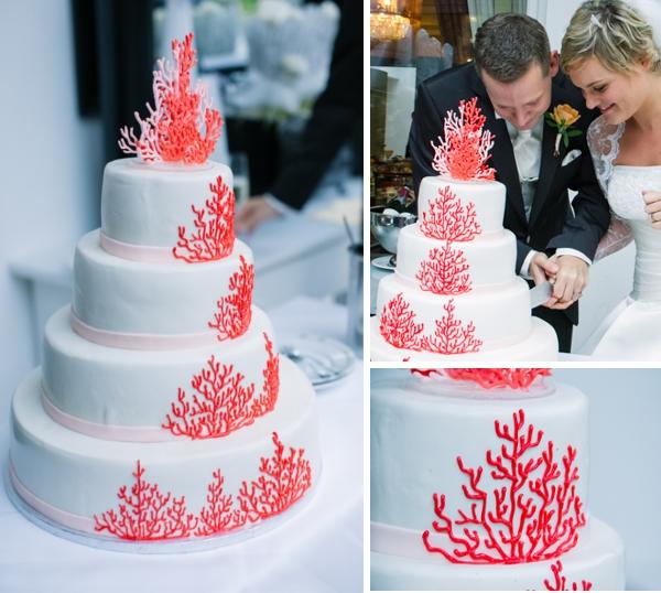 Hochzeitstote mit Korallenmotiv, Maritime Hochzeit gestaltet von Irina Thiessen und Katharina Sparwasser