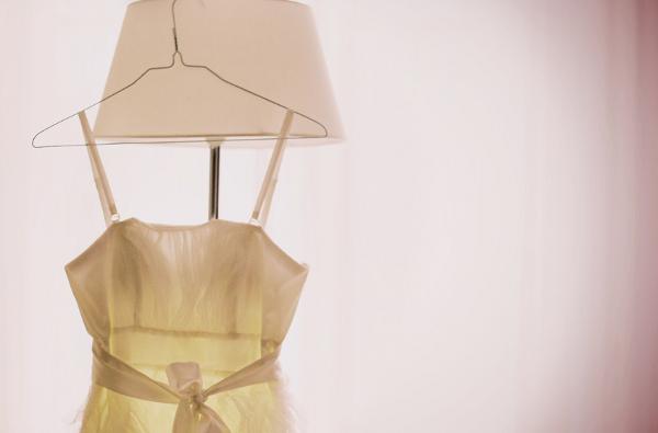Rassa & Armin - Minihochzeit in München - das Brautkleid