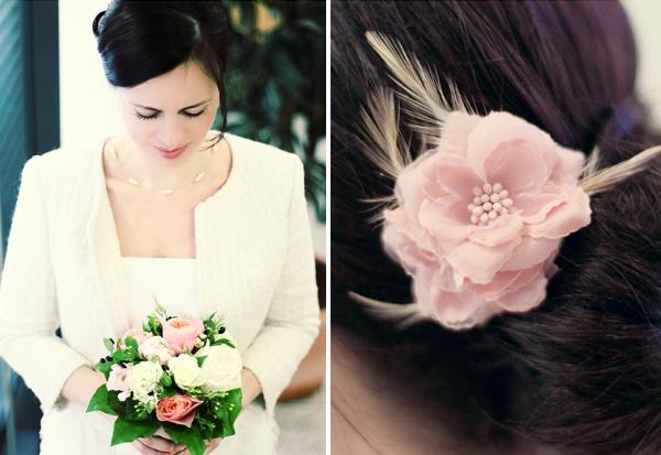 Rassa & Armin - Minihochzeit in München - Braut mit Bouquet und rosa Seidenblume im Haar