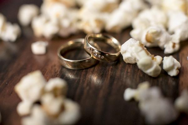 Trauringe im Popcorn