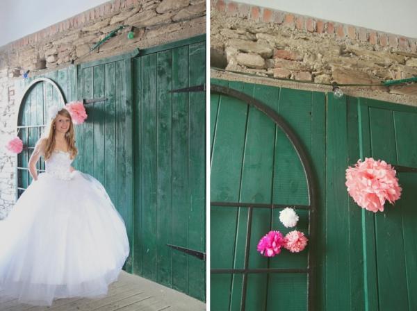 Girlanden Dekoration bei einer DIY Hochzeit im Vintage Stil im Sauerland von Gasoline Photography