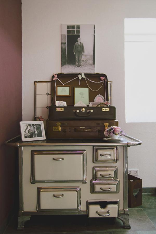 Tischordnung einer liebevolle DIY Hochzeit im Vintage Stil im Sauerland von Gasoline Photography