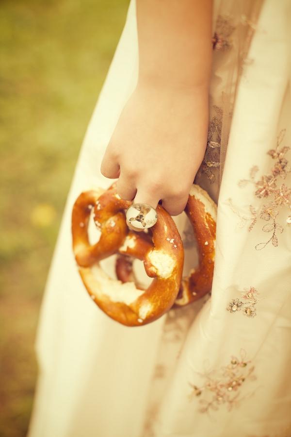 Frühling in Bayern - eine Hochzeitsinspiration. Foto: Skyphoto