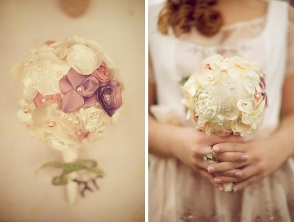 Frühling in Bayern: selbstgemachter Brautstrauß aus Seidenblüten. Foto: Skyfoto