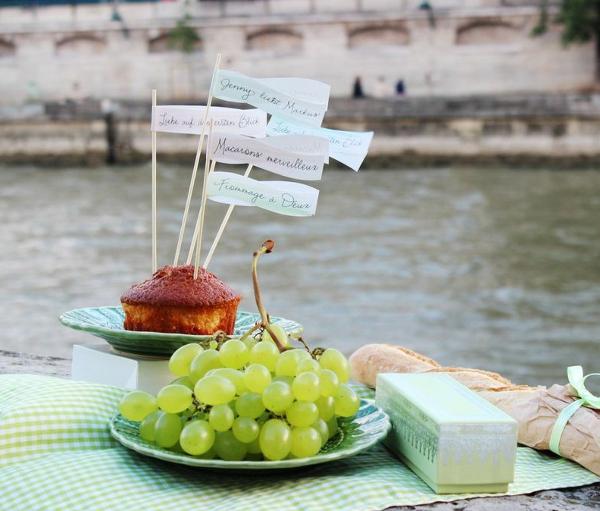 mit noni in paris: jenny und markus Liebes Picknick an der Seine