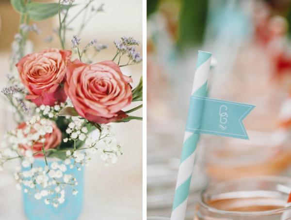 Destination Wedding in Suedafrika: die hellblauen Papierstrohhalme waren mit kleinen Fänchen geschmückt