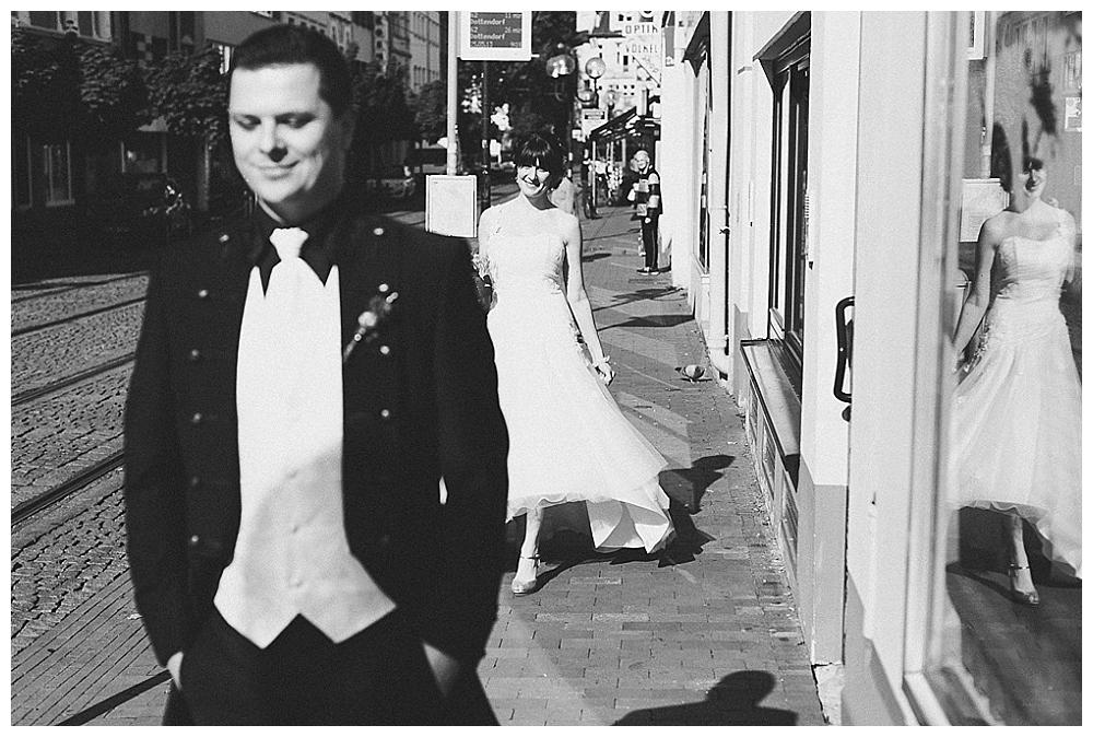 standesamtliche Trauung im Frühling in Bonn | Verrueckt nach Hochzeit| Foto: Octavia+Klaus