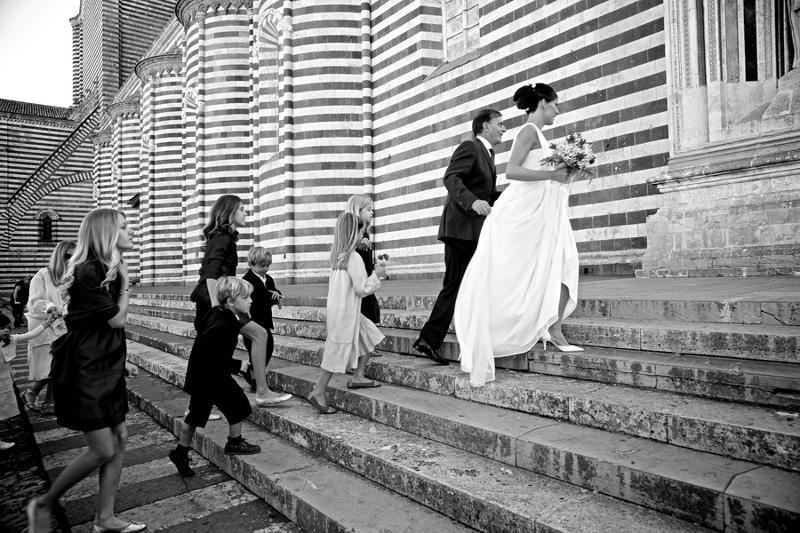 Verrückt nach Hochzeit: Hochzeit  in Italien: auf dem Weg zum Altar (foto: Rossini Photography)