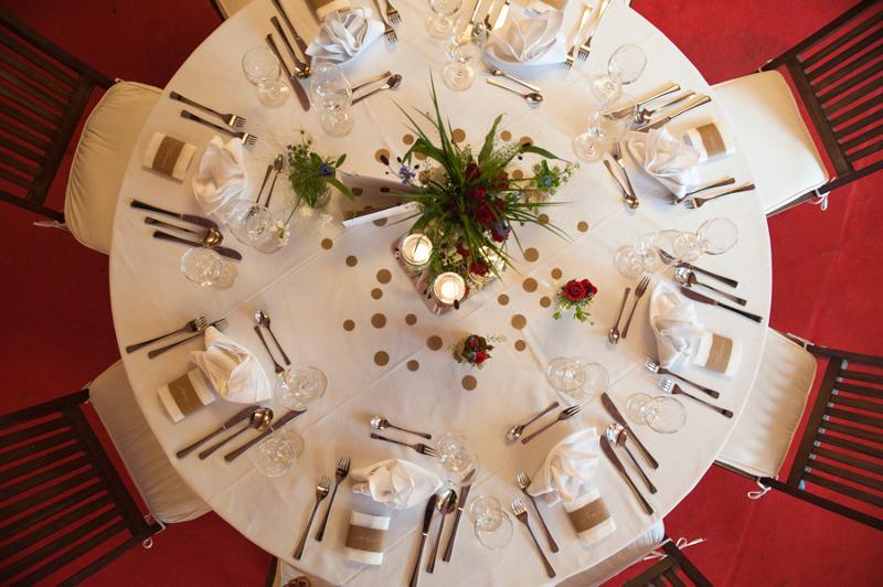 Hochzeit aus dem wahren Leben auf Verrückt nach Hochzeit: DIY Hochzeit in Hamburg von Kathrin Stahl - DIY Tischdekoration