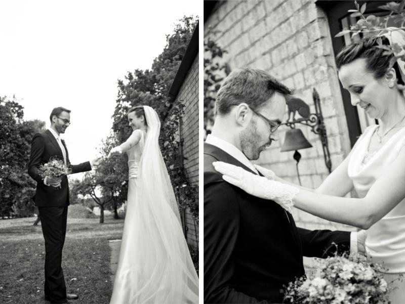 DIY Hochzeit in Hamburg von Kathrin Stahl - der erste Blick des Bräutigams auf die Braut