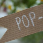 Pop-up-Dinner im Kraftpapier-Look