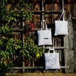 Zum 3. Bloggeburtstag alles Gute für euch: drei Verrückt nach Hochzeit-Wundertaschen