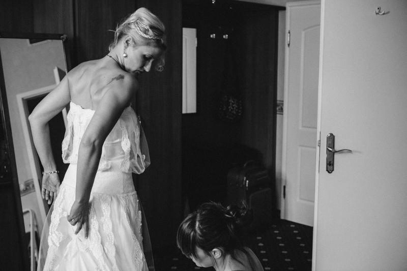 Getting Ready: Hochzeit auf Schloss Wulkow von Frau Glück und Herr Lich