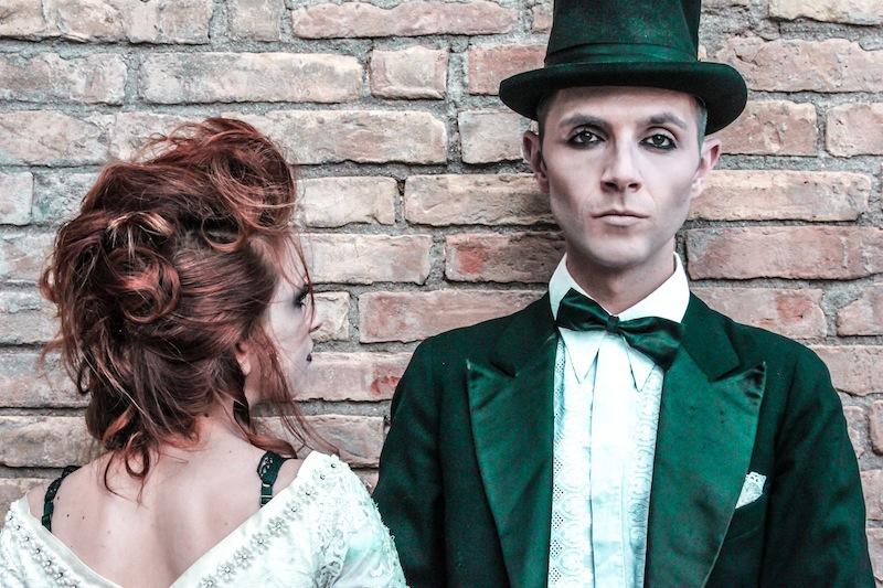 Halloween-Brautpaar von Laura Celenza