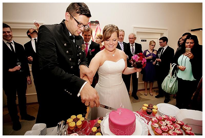 Hochzeit Jessica & Thomas auf Kloster Holzen bei München - Foto: Anna McMaster /// Verrückt nach Hochzeit