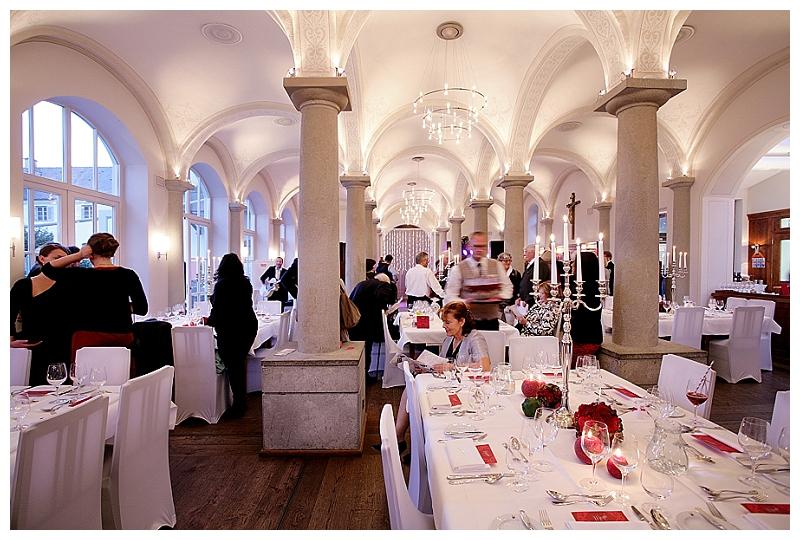 Hochzeit Jessica & Thomas auf Kloster Holzen bei München - Foto: Anna McMaster