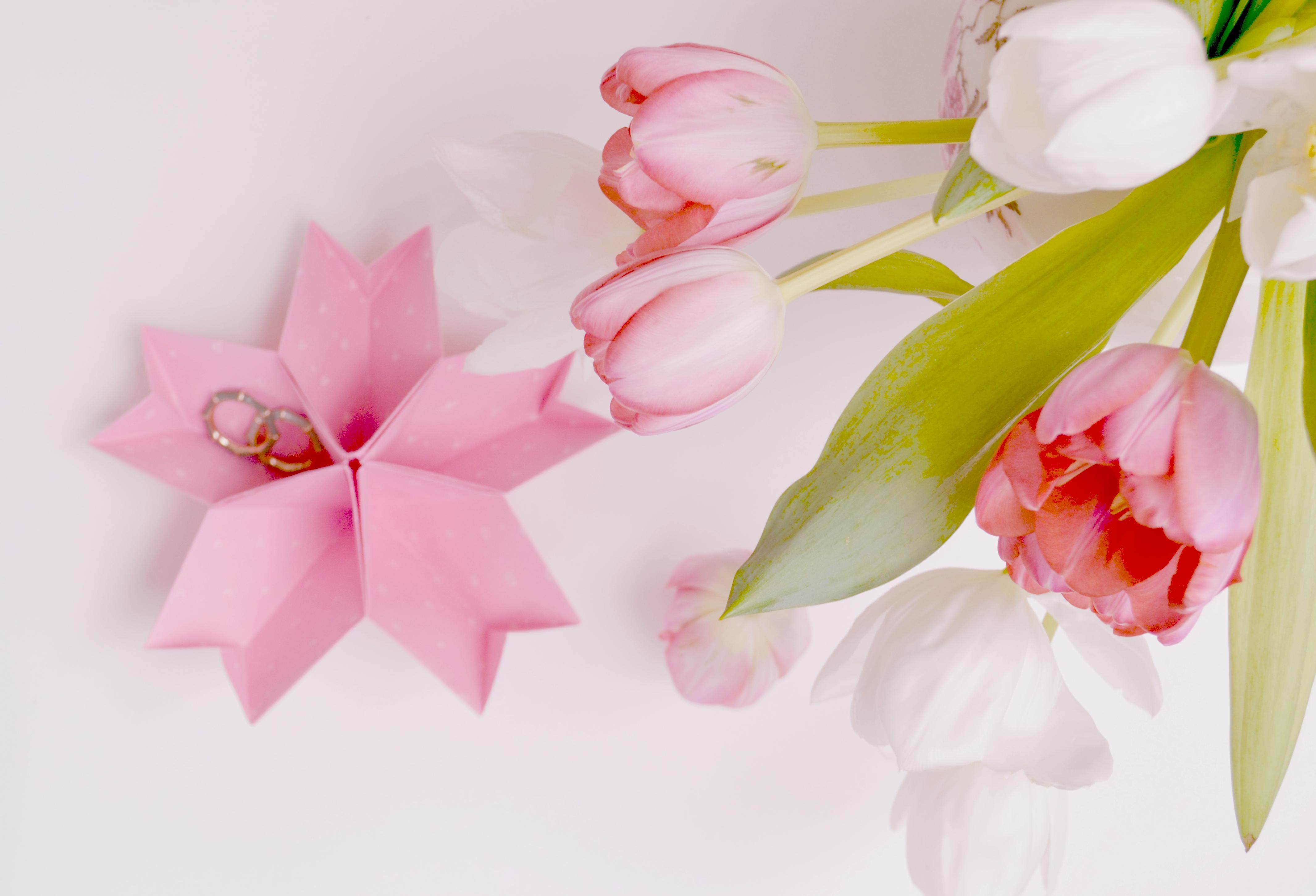 Anleitung: Origami-Kirschblüte als Ringkissen selbermachen | Verrueckt nach Hochzeit