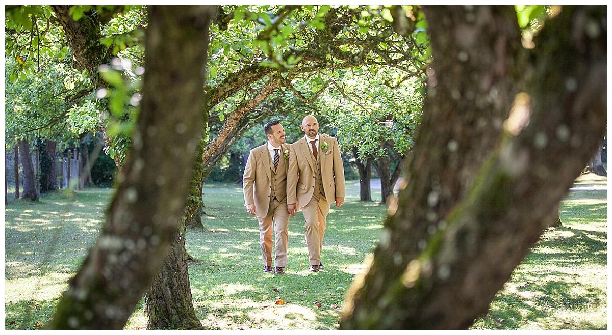Oli & Markus - schwule Hochzeit am Ammersee | Verrueckt nach Hochzeit | Foto: angelakrebs.com/