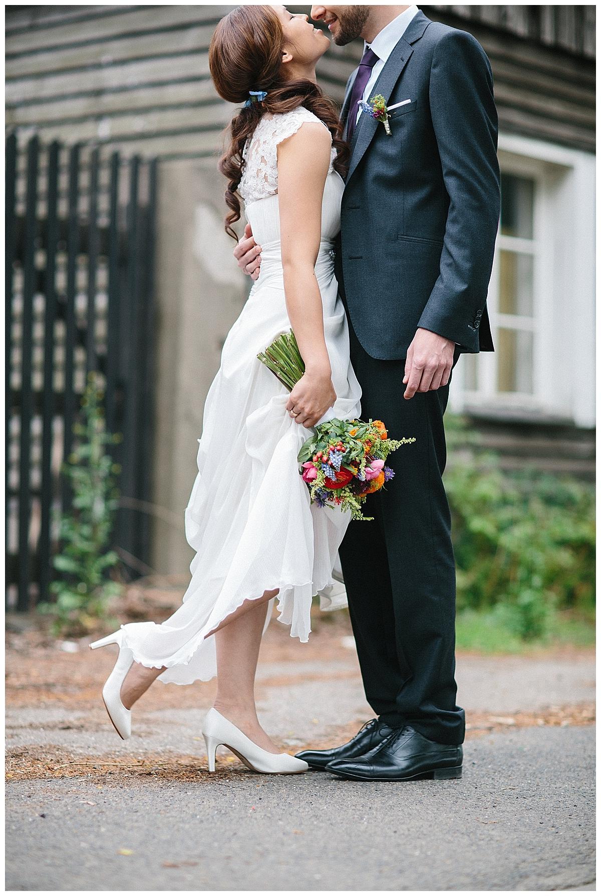 Verrueckt nach Hochzeit | echte Hochzeit auf dem Engelshof in Köln | Fotos: http://leabremicker.pass.us/melissa-und-tilo-hochzeit