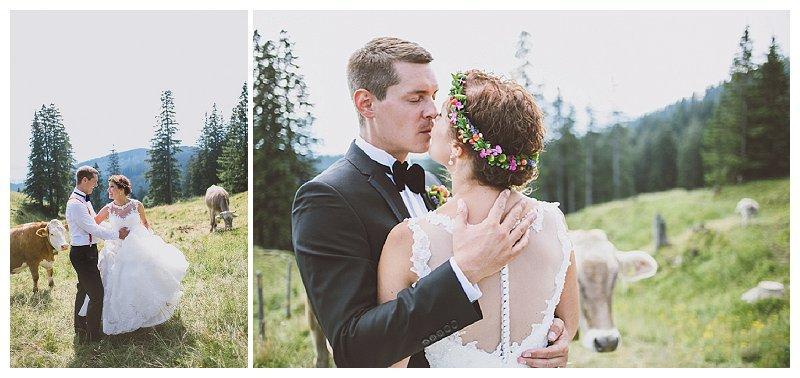 Hochzeitsfotos im Allgäu mit Kuh und Stier | Verrückt nach Hoochzeit | Foto: http://nice4youreyes.de/