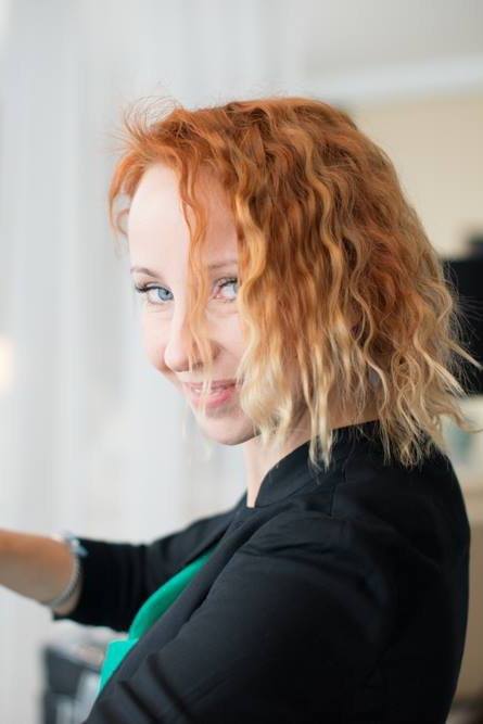 Hochzeitstylisin Zuzanna Grabias bei der Arbeit | Verrueckt nach Hochzeit