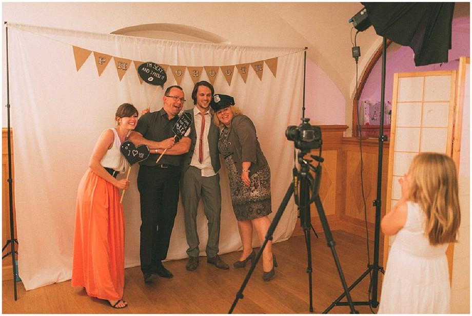 Vintage Hochzeit auf Gut Schloss Sulzemoos |Verrueckt nach Hochzeit | Foto: Veit Stößel