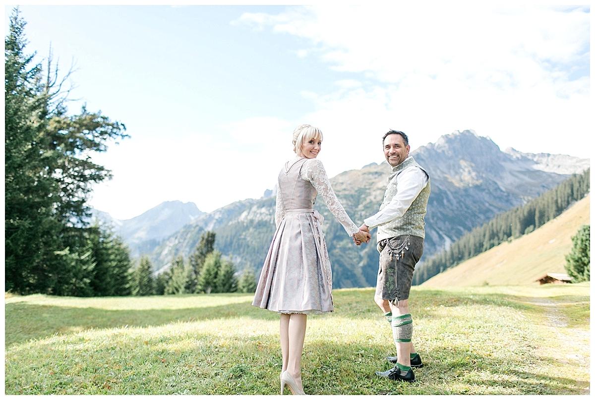 AndreaFichtel_NicoleMarkus-90_echte hochzeit_verrueckt nach hochzeit_in den bergen heiraten_Berghochzeit_Alpenhochzeit_Hüttenhochzeit
